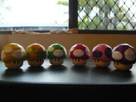Mario Mushrooms by random-lil-azn