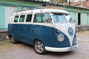 VW Combi by BerryBlu