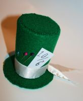 Miniature top hat 14. by Ginaart