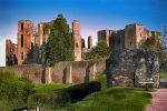 Kenilworth Castle HDR by AlanSmithers