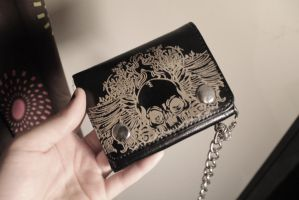 skull wallet by FlamingHorse21