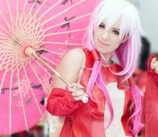 Yuzuriha Inori AX'13 cosplay by HACKproductions