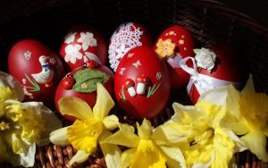 Happy Easter Eggs by Biutz