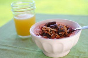 Berry Granola by Ellie-Photographie