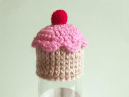 Tiny cupcake hat by AnneKo