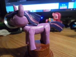 Twilight Sparkle statuette finished 3 by McMesser