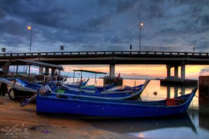 Sunrise of Penang bridge - The fishing boats by fighteden