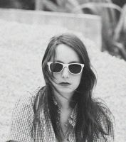 She belongs to the 70s by Lilibloody
