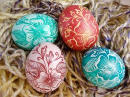Mehndi Flower Designs on Chicken Eggs by Natakuaya