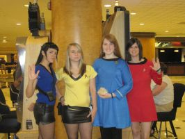 femSpock and femKirk and TOS by lexi-presents