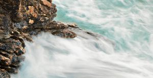 Turquoise whirlpools by Zwoing