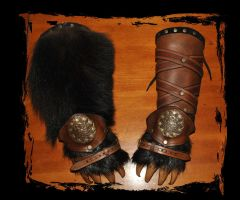 leather bracers bear paws Berserks by Lagueuse