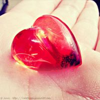 Fake plastic heart by ViOLeTjaniS
