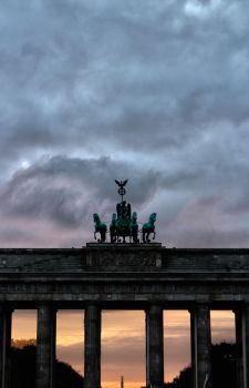 Brandenburger Tor by TheSixBPencil