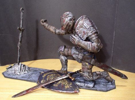 Elite Knight with bonfire 1/6 scale statue view 1 by futantshadow