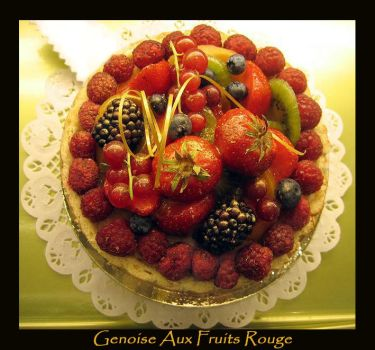 Genoise Aux Fruits Rouge by TWWSTFF