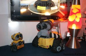 WALL-E: Plz take me home.. C: by saiiko