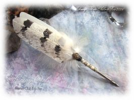 SNOW OWL Feather Quill Pen by ChaeyAhne