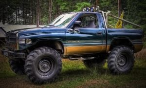 DODGE RAM 2500 V8 by apacz