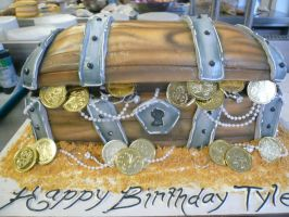 Treasure Chest Cake by keki-girl