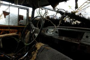 Abandoned car interior by KirbotC