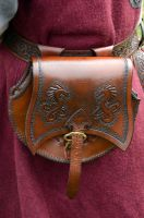 Leather pouch by Jonzou