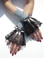 Baroque gloves black and grey by Estylissimo