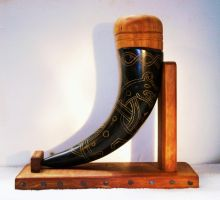 Dragon Mead Horn with Display by RuehlLeatherWorks
