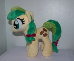 Apple fritter plush by Blindfaith-boo