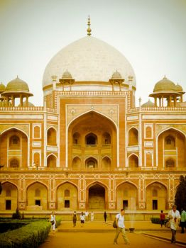 Humayun's Tomb - the View by charonferryman