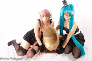 Miku Hatsune and Luka Megurine Vocaloid Magnet by Rael-chan89
