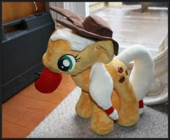 Applejack plush DONE! by takysa
