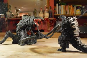 S.H Monsterarts - Biollante ~(8/10) Stand Off by GIGAN05