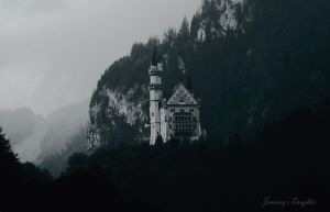 Neuschwanstein by JanuarysDaughter