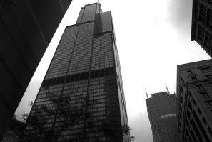 Sears Tower 2 Black and White by KINGOFTHEGAMEZ