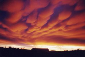Fiery Mammatus by Nightwalker50