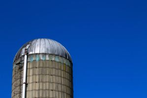 Silo and Blue Sky by wetdryvac