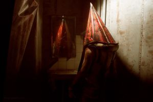 Silent Hill 2 - Pyramid Head by Aoki-Lifestream