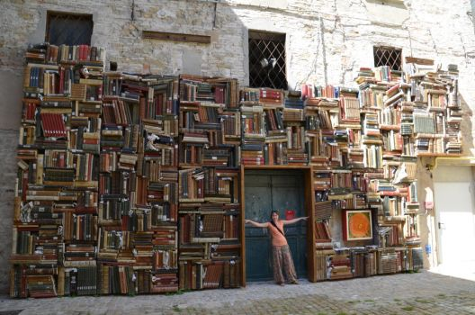 Book wall by Sunchos