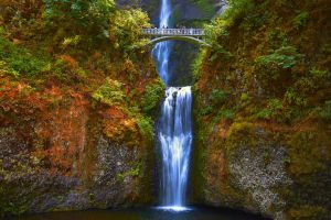 Multnomah Falls by CitizenFresh