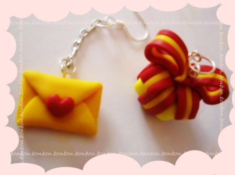 love letter and a gift I by Fraise-Bonbon