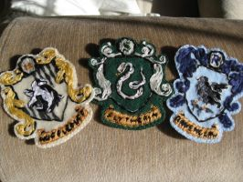 Hogwarts Crests by alis-volat-propiis