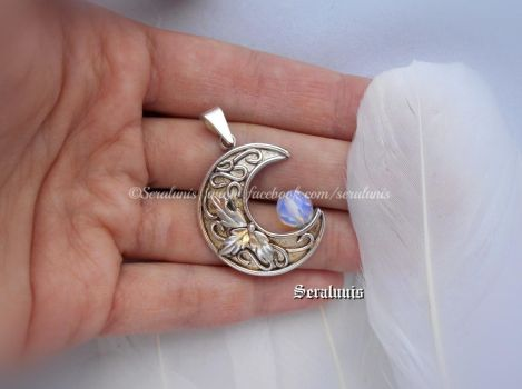 'Lunaris' handmade sterling silver pendant by seralune