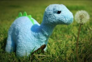 Bitty Brontosaurus by DrivenSphere