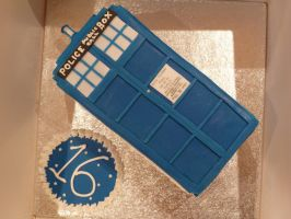 Another Tardis Cake! by Rebeckington