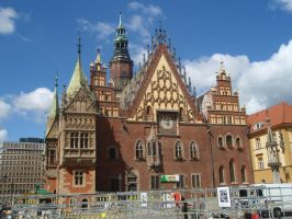 City hall in Wroclaw by Woolfred