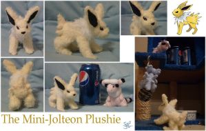 The Mini-Jolteon Plushie by apox0n
