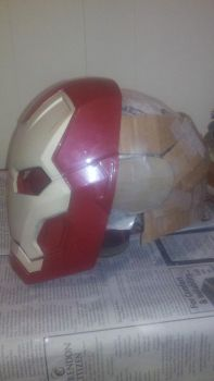 Ironman helmet MK 3 by pantherboy