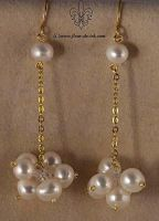 Pearl cluster earrings E838 by Fleur-de-Irk