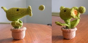 Peashooter - Plants vs Zombies by HelenHighwater
